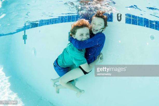 Unterwasser Umarmungen