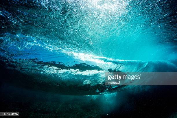 underwater view of surfer on banzai pipeline, hawaii, america, usa - waimea bay stock pictures, royalty-free photos & images