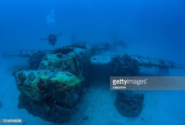 underwater world war ii aircraft - cdascher stock pictures, royalty-free photos & images