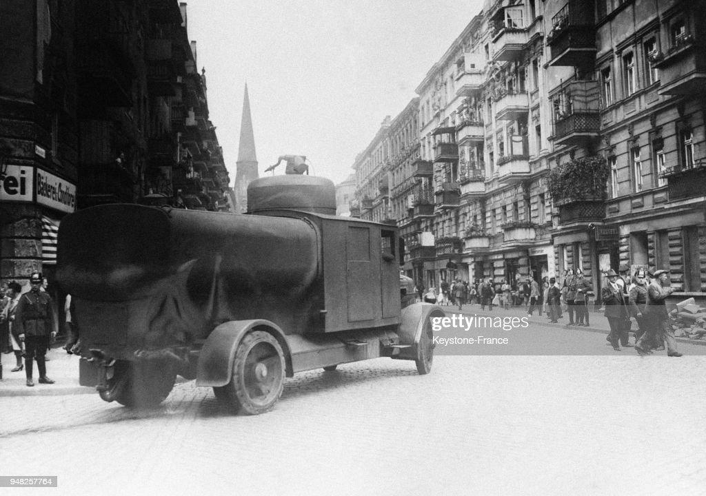 Batailles dans les rues de Berlin : Nachrichtenfoto