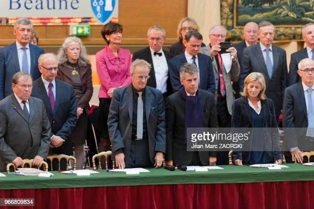 Une minute de silence a été respectée avant le début de la155e vente aux enchères des Hospices de Beaune à la demande du députémaire de la ville...