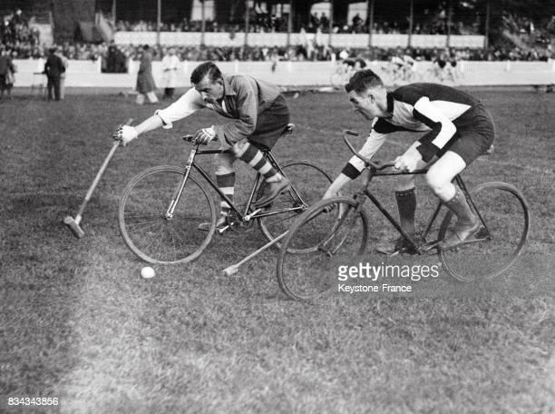 Une phase du match, au Royaume-Uni en 1930.