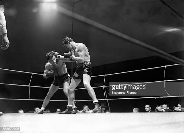 Une phase du match opposant Cerdan à Charron à Paris France en 1946
