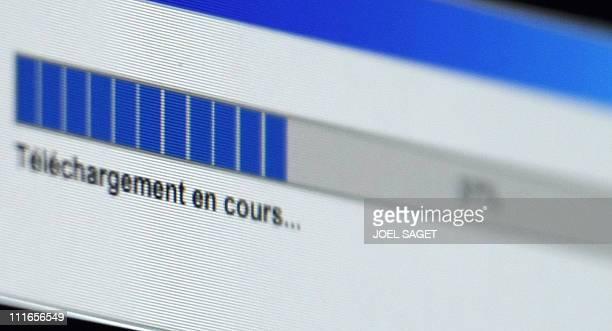 """Une riposte graduée pour lutter contre le piratage sur internet"""". Vue d'un écran informatique prise le 16 juin 2008 à Paris. La ministre de la..."""