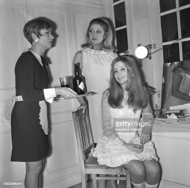 Une scène du film avec Annie Cordy Anne Carrère et Anna Gaël en France en 1967