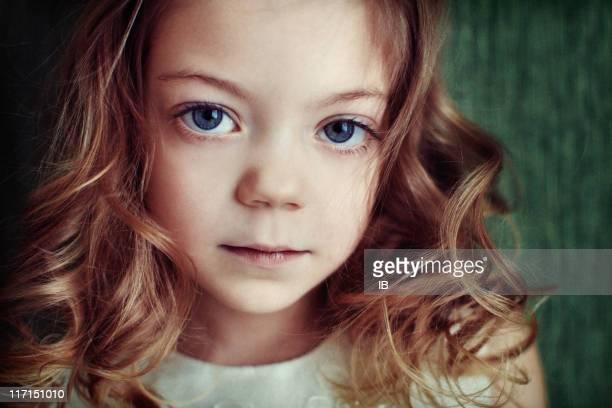 Otro planeta Chica con grandes ojos azules. Uno en un millones de euros.