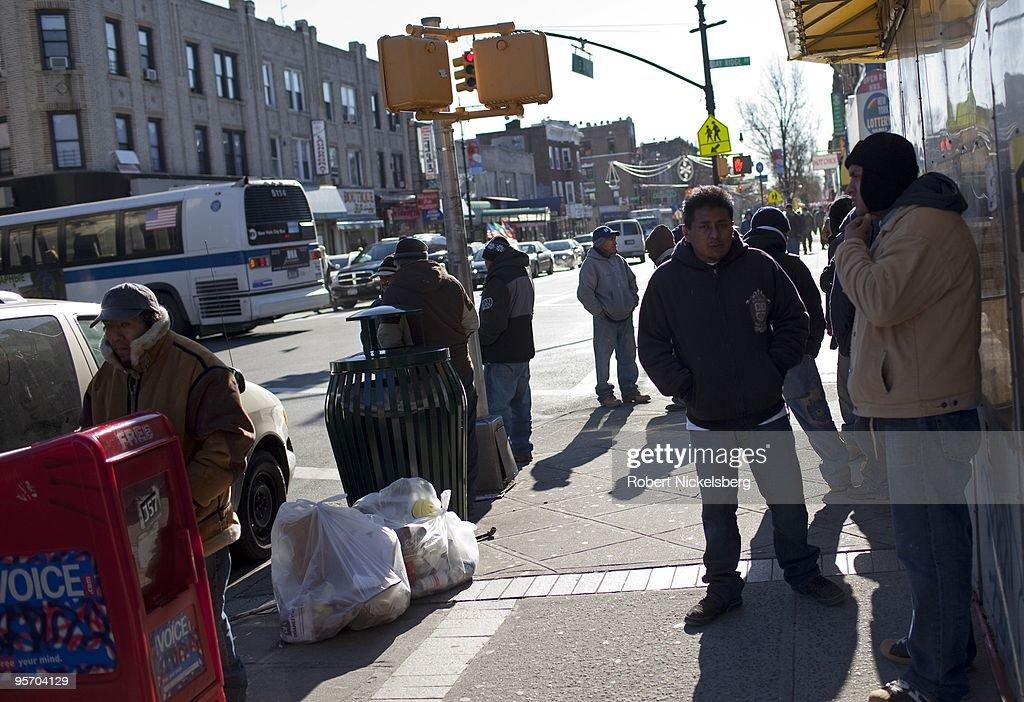 Unemployed Hispanics : News Photo