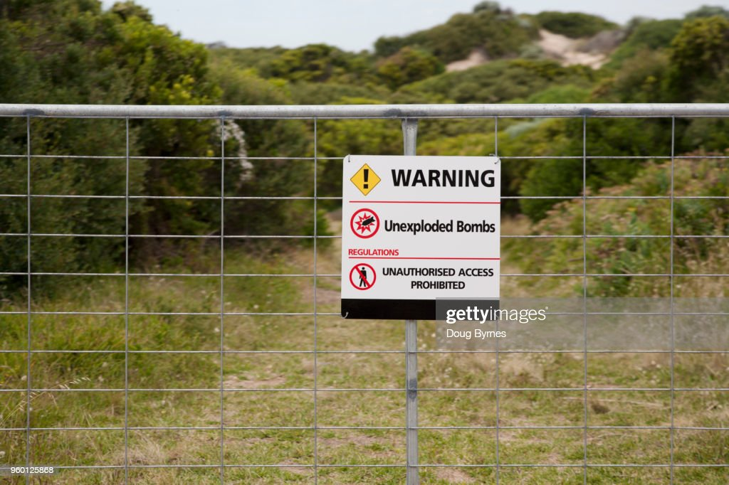 Unexploded bombs sign : Stock-Foto