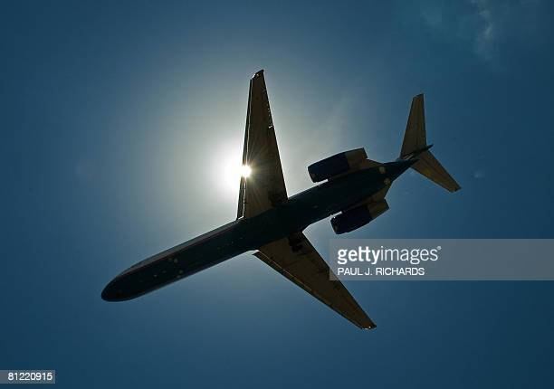 A unidentified passenger jet makes its final approach to Tampa International Airport May 23 in Tampa Florida AFP Photo/Paul J Richards