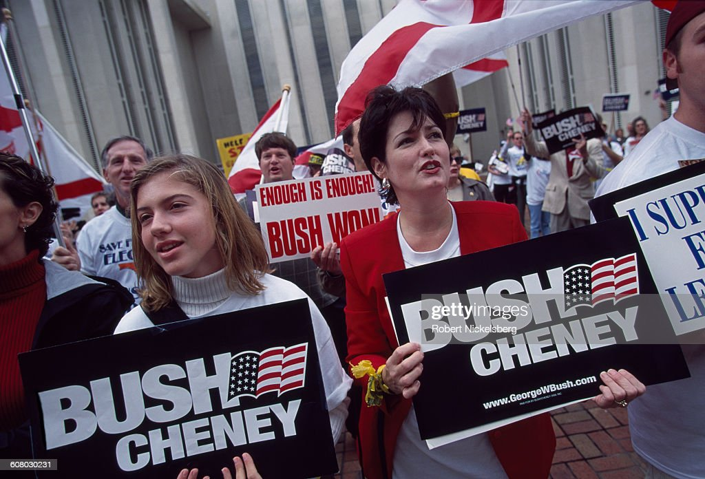 Bush-Cheney Supporters In Tallahassee, Florida : News Photo