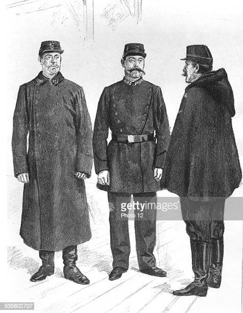 Uniforms of French policemen