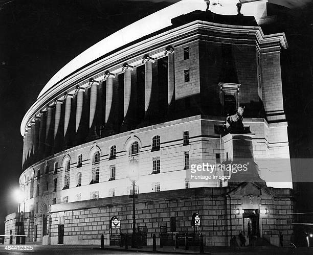 Unilever House floodlit at night London c1932 The building dates from 1930 and was designed by J LomaxSimpson with Sir John Burnet Tait and Lorne To...