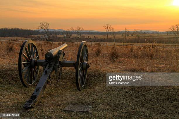 union canon at gettysburg on cemetery ridge - gettysburg stock photos and pictures