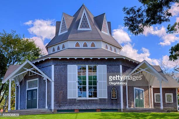 union chapel in oak bluffs, martha's vineyard, massachusetts. - marthas vineyard stock pictures, royalty-free photos & images