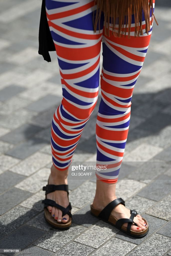Union Flag Leggings And Matching Red White And Blue Toenails On
