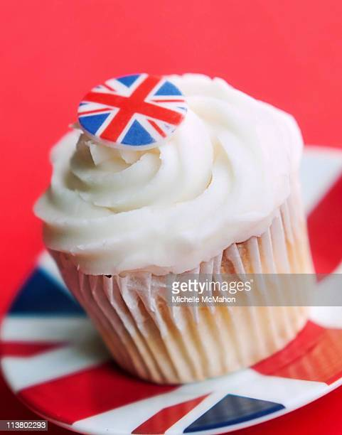 union jack cupcake - british flag cake stock pictures, royalty-free photos & images