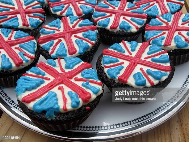 union jack cupcakes - british flag cake stock pictures, royalty-free photos & images