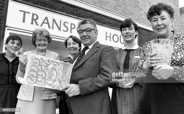 Union leader Barney Ward leaves Transport House for the last time. 20th October 1983.