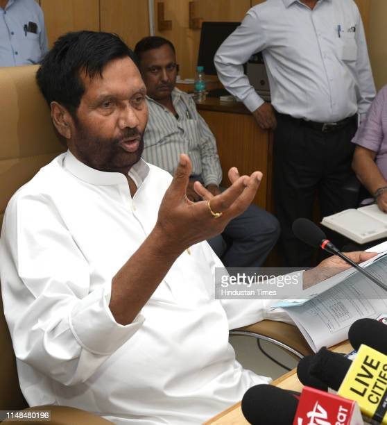 33 Press Conference Of Union Minister For Food And Consumer Affairs Ram Vilas Paswan Photos And Premium High Res Pictures Getty Images