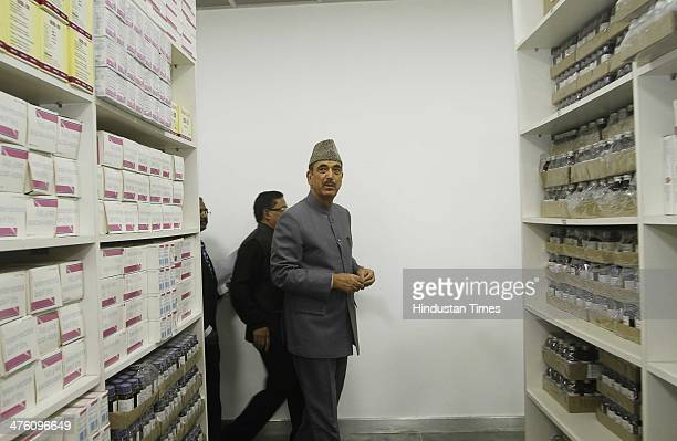 Union Minister for Health and Family Welfare Ghulam Nabi Azad watches the medicines after inaugurating the Convergence Block and free Generic...