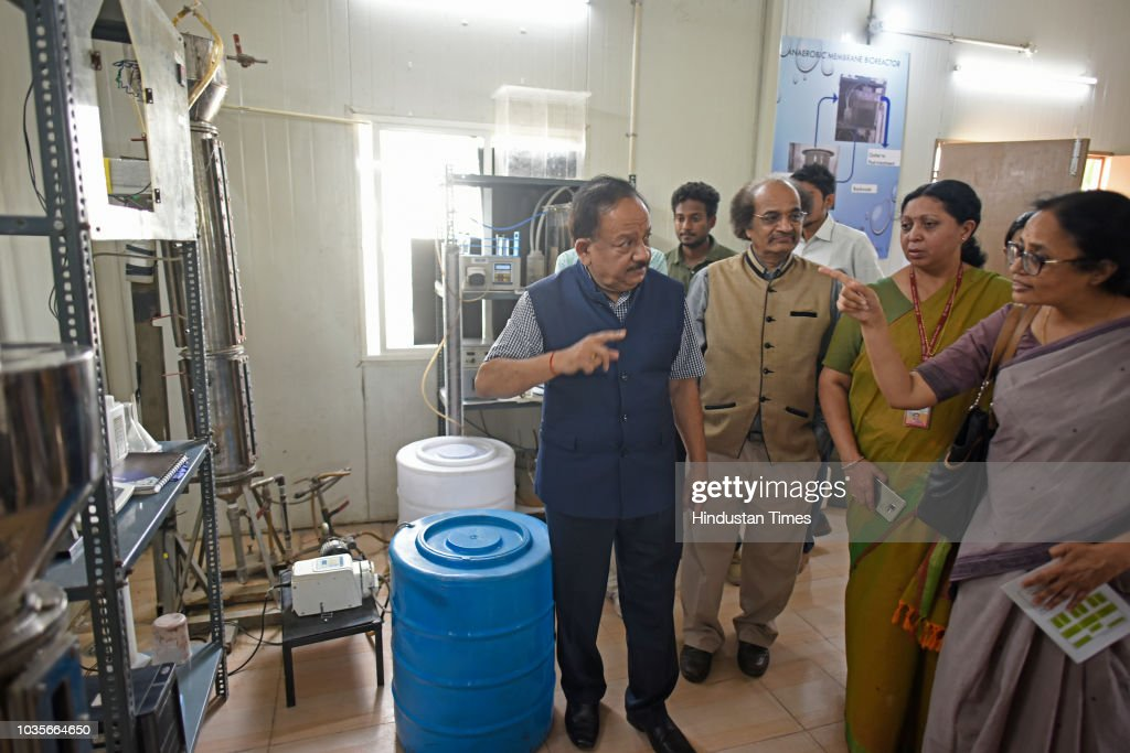 Environment Minister Harsh Vardhan Project to Treat Barapullah Drain Sewage And Generate Biofuel Launched