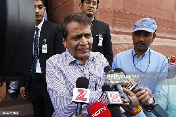 Suresh Prabhu Pictures and Photos - Getty Images