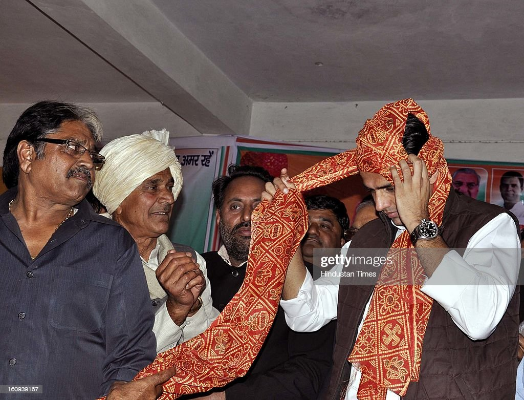 Union Minister Sachin Pilot made a visit to meet supporters and also to appraise them of forthcoming event scheduled to be organised on February 10 in Haryana, on the birth anniversary of his father late Rajesh Pilot, on February 7, 2013 in Ghaziabad, India.
