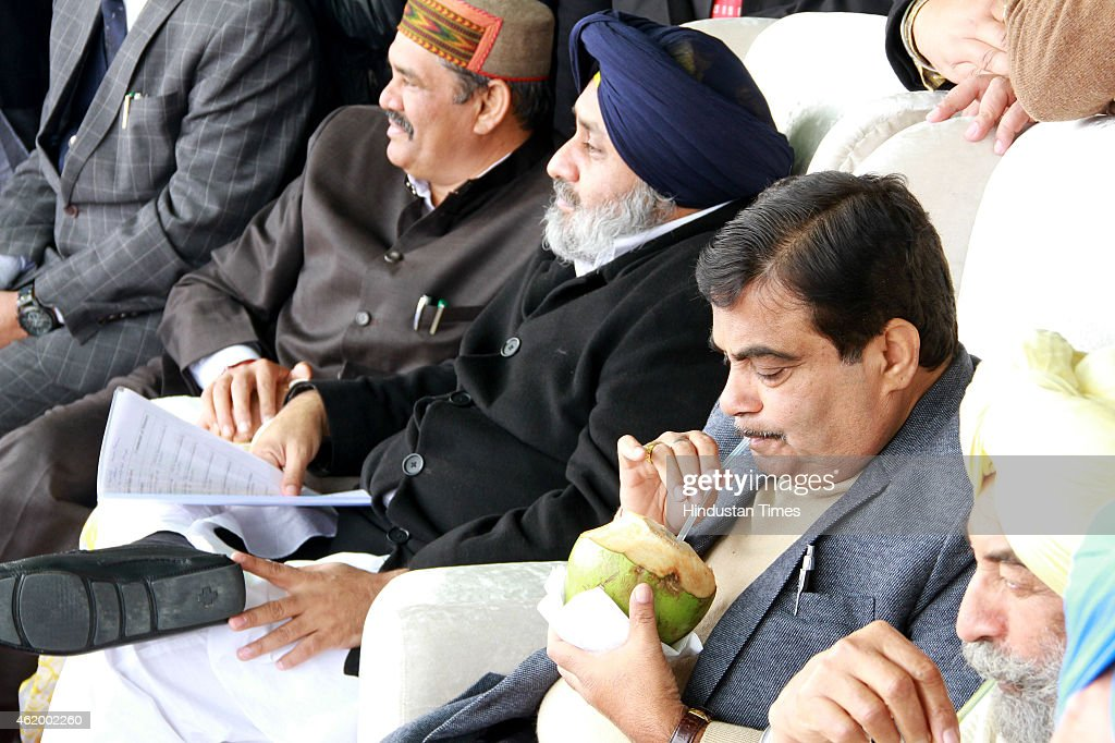 Union Road Transport Highways and Shipping Minister Nitin Gadkari and Punjab Deputy Chief Minister Sukhbir Singh Badal with other leaders during...