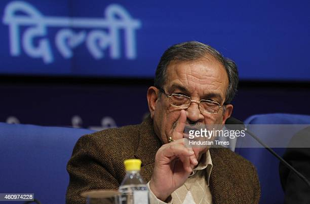 Union Rural Development Minister Chaudhary Birender Singh addressing a press conference on ordinance on Land Acquisition Act on January 2 2015 in New...