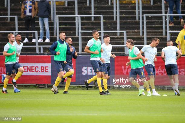 Union Saint Gilloise players warming up during the Jupiler Pro League match between Union Saint Gilloise and Club Brugge at Joseph Marien Stadion on...