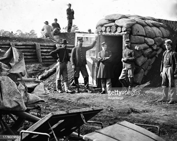 Union soldiers take over Fort Burnham the former Confederate Fort Harrison Fort Burnham Virginia 1863 They ensconce themselves in the Rebel built...