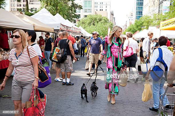 union square greenmarket - union square new york city stock pictures, royalty-free photos & images