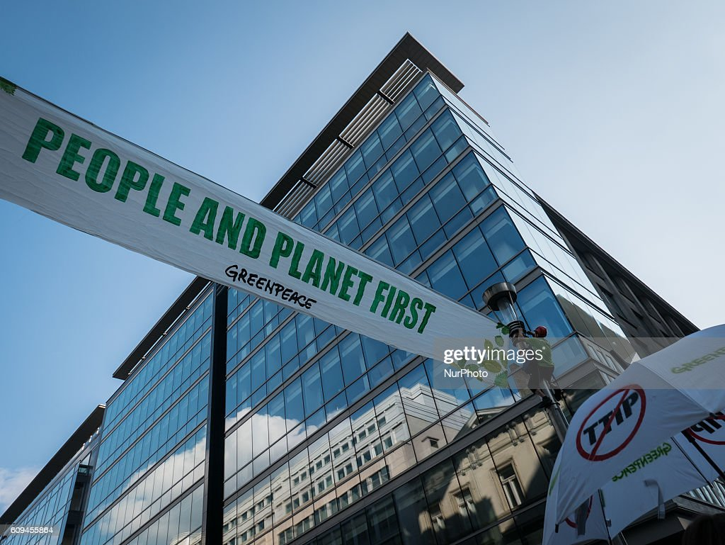 Unions, human rights and farming groups took to the streets in the Belgian capital out of concerns against the Comprehensive Economic and Trade Agreement (CETA) and the Transatlantic Trade and Investment Partnership (TTIP). Brussels, Belgium, on Septembre 20, 2016.