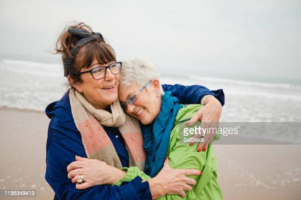 unique bond between best friends - showus stock pictures, royalty-free photos & images