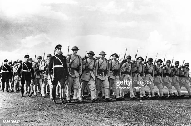Unité d'infanterie turque en rang dans les années 1940 à Ankara Turquie