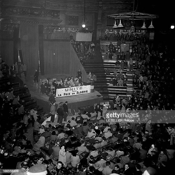 Unite For Peace In Algeria In Amiens 1956 à Amiens 'l'unité de soutien pour la paix en Algérie' a organisé une conférence la salle remplie de...