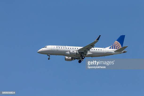 United Airline Airplane Landing to San Francisco Airport