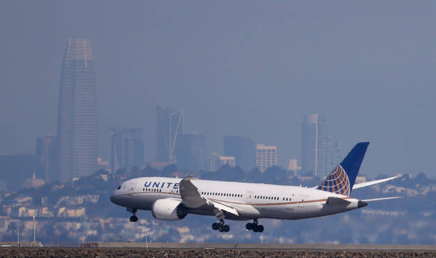 CA: United Airlines Reports Third Quarter Earnings