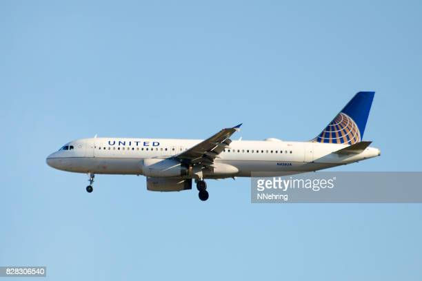 United Airlines Airbus A320-200 commercial passenger jet airplane