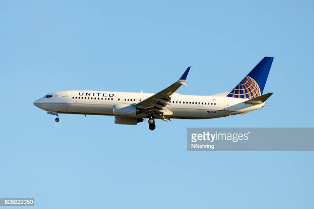 United Airlines Boeing 737-800 commercial passenger jet airplane