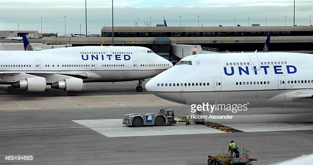 United Airlines Ramp Stock Photos and Pictures | Getty Images