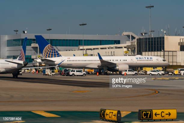 United Airlines Boeing 757-200 aircraft seen at Los Angeles International Airport.