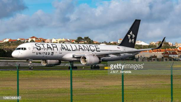 n14120 united airlines boeing 757-200 - boeing 757 200 stock pictures, royalty-free photos & images