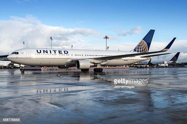 United Airlines Boeing 767-300/ER