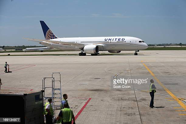 United Airlines Boeing 787 Dreamliner taxis to a gate at O'Hare International Airport after taking off from Houston with United CEO Jeff Smisek...