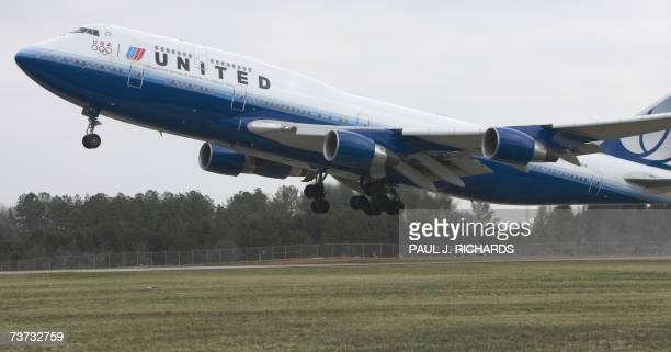 United Airlines flight a Boeing 747 lifts off from Washington DC's Dulles International Airport on it's maiden nonstop 13hour flight from Washington...