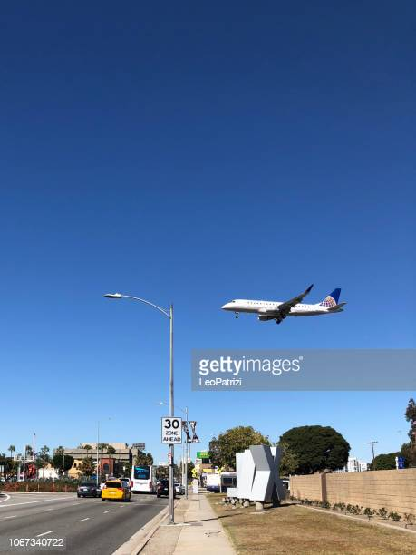 United Airlines landing in Los Angeles - LAX airport
