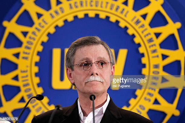 United Auto Workers union president Ron Gettlefinger holds a press conference May 29 2009 at Solidarity House in Detroit Michigan Gettlefinger...