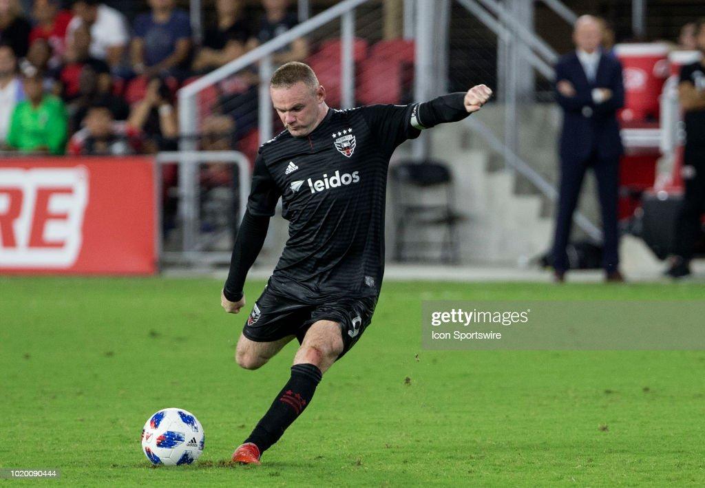 SOCCER: AUG 19 MLS - New England Revolution at DC United : News Photo