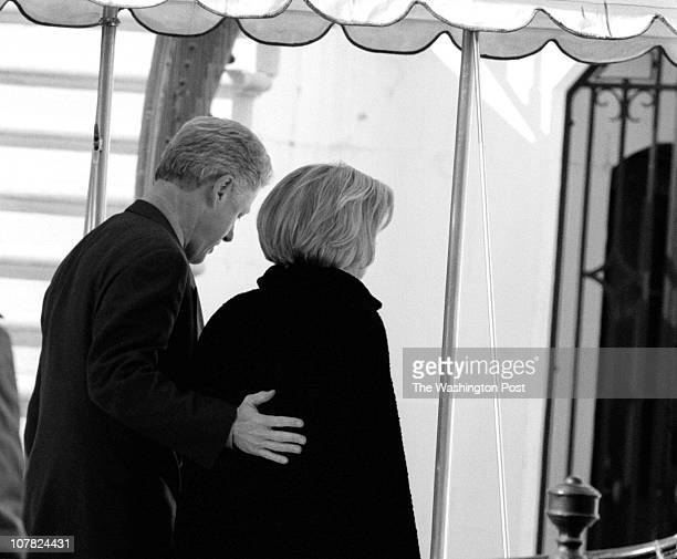 01/25/98 United Foundry Methodist Church 16th and P Sts DC Description Pres and first lady attend church service Pres Bill Clinton with arm around...